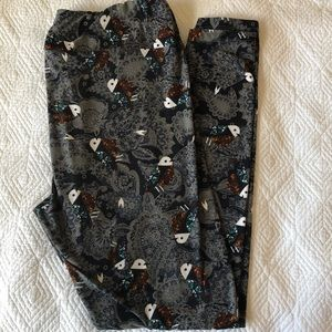 Lularoe Tall & Curvy Paisley Birds Leggings